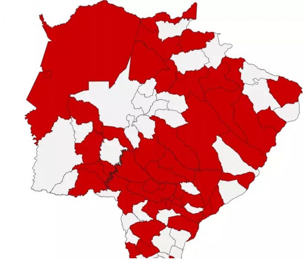 Marcação em vermelho mostra que o novo coronavírus já circula em 47 dos 79 municípios do Estado. (Foto: Reprodução\Boletim SES)