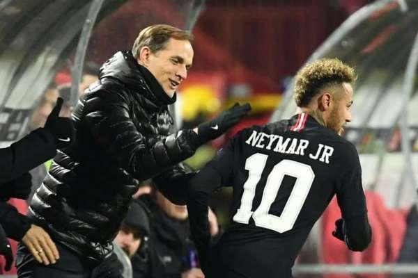 O treinador Tomas Tuchel afirmou que Neymar está focado no PSG (Foto: AFP)