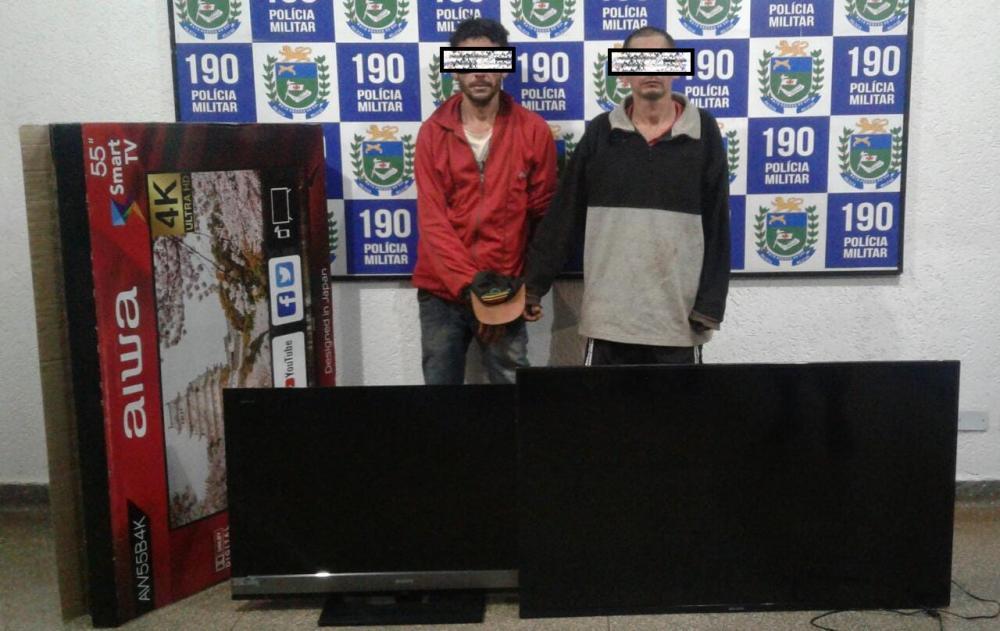 Polícia Militar prende dois homens com objetos furtados