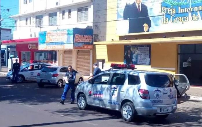Duas igrejas que abriram para cultos neste domingo foram fechadas em Ponta Porã.