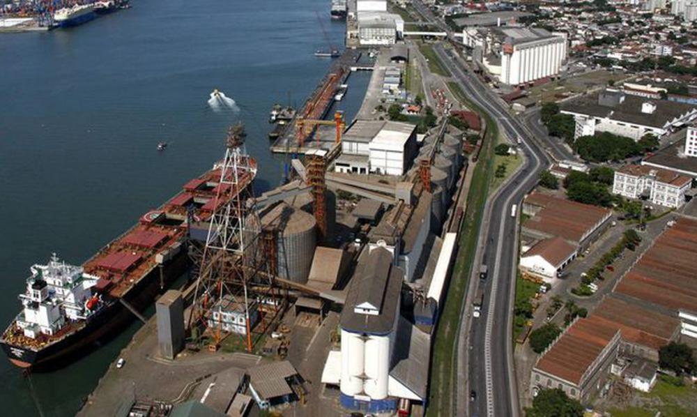 Governo restringe entrada de estrangeiros pelos portos