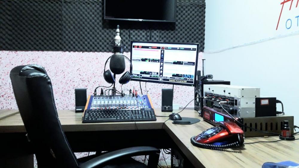 Estúdio da Educadora FM de Ponta Porã