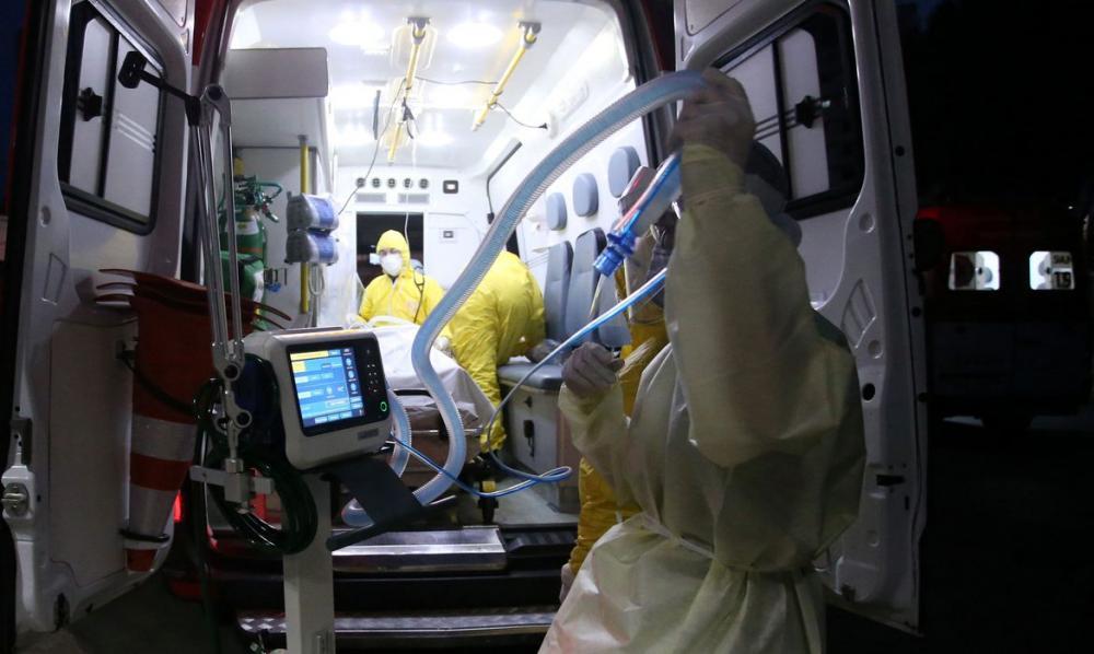 Brasil registra 14,9 mil novos casos e mais 816 mortes por covid-19