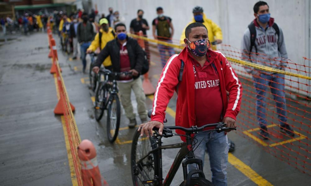 Com hospitais próximos do colapso, médicos de Bogotá pedem quarentena